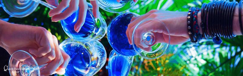 Vino Blu Sorseggiate Creatività E Innovazione Tra Fluidità E Colore